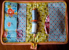 Charm About You: revamping my sewing case from tutorial by verykerryberry at… Applique Patterns, Embroidery Applique, Sewing Patterns, Sewing Case, Baby Sewing, Fete Ideas, Sewing Tutorials, Sewing Kits, Sewing Ideas
