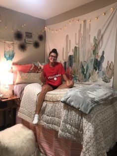 Love this college girls dorm decor? Find the hottest College Dorm Decorations college DECOR Dorm find Girl girls hottest Ideas love Dorm Room Designs, College Dorm Rooms, College Life, Diy Dorm Room, College Girls, Funny College, College Apartments, Dorm Life, Dream Rooms