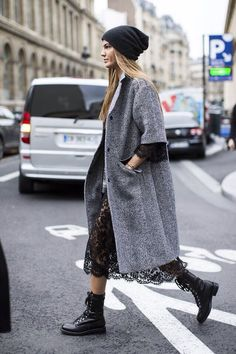 This pairing of a grey herringbone coat and a black lace midi dress is proof that a simple casual outfit can still look absolutely chic. Bring a sense of playfulness to your outfit with black leather lace-up flat boots. Looks Street Style, Looks Style, Looks Cool, Mode Outfits, Fashion Outfits, Womens Fashion, Fashion Trends, Fashion Boots, Dress Outfits