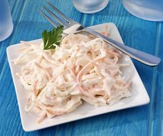 Healthy Salads, Coleslaw, Coconut Flakes, Finger Foods, Celery, Cabbage, Good Food, Spices, Food And Drink
