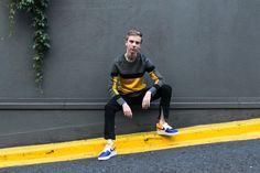 https://balazszsalek.com/2017/10/02/90s-yellow-and-grey-vibes/