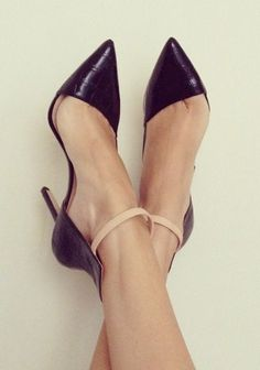 Ankle strap, pointed toe