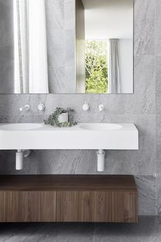 Collis Street Project / Projects / Polytec Modern Bathroom Design, Kitchen Design, Project Projects, Architecture Interiors, Powder Room, The Locals, Bathroom Ideas, Bathrooms, Laundry