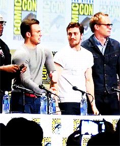 Samuel L. Jackson, Chris Evans, Aaron Johnson (Nick Fury, Steve Rogers/Captain America, Quicksilver) at 2014 SDCC