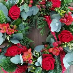 Christmas florals  Now available to order online for delivery on the morning of Christmas Eve so you have beautiful fresh blooms on the main days of Christmas whilst entertaining family and friends  #red #green #flowers #flowersofinstagram #christmasflowers #christmas #tablewreaths #floralarrangement #florist #lilacsforlucy #bellarinepeninsula #bellarine #oceangrove #geelong #geelongcreatives #supportlocal #madeingtown #smallbusiness by lilacsforlucy http://ift.tt/1JO3Y6G