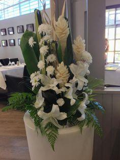 Flower decoration at White Restaurant, Tahiti