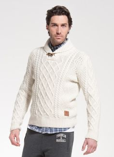 Comfort and elegance: this sweater is perfect for any occasion #franklinandmarshall