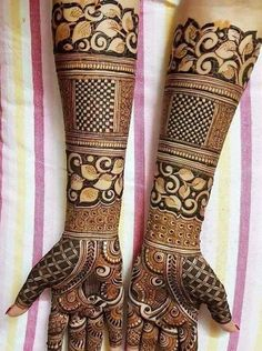 Mehndi Designs will blow up your mind. We show you the latest Bridal, Arabic, Indian Mehandi designs and Henna designs. Henna Hand Designs, Mehndi Designs Finger, Mehndi Designs Book, Mehndi Designs 2018, Mehndi Designs For Beginners, Modern Mehndi Designs, Mehndi Designs For Girls, Mehndi Design Pictures, Mehndi Images