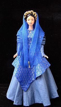 Breha Organa - costume from Star Wars for a Barbie doll. The doll I used is repainted Lea by Mattel