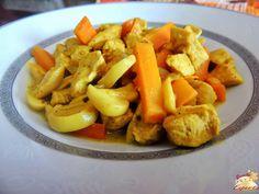 http://www.receitaesperta.com.br/2014/11/frango-ao-curry-com-leite-de-coco.html