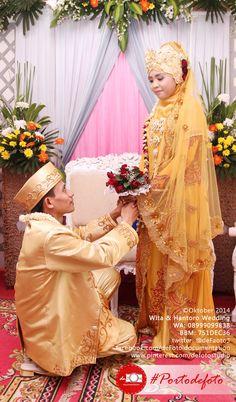 I pray we can through bad and good times together, and may Allah gather us in Jannah.. :)  - Wita & Hantoro wedding    #engagement #wedding #photography #weddingphotography #walimatulursy #portodefoto  ==============   defoto | Hadir Mengabadikan Momen Terindah Anda | follow twitter @deFoto3 ~