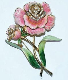Coro Enamel Floral Brooch/Pin 1944. Vintage brooches are always great inspiration for design ideas.