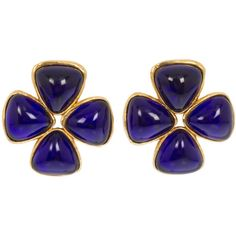 Preowned Chanel Blue Gripoix Earrings (€770) ❤ liked on Polyvore featuring jewelry, earrings, blue, pre owned jewelry, chanel, preowned jewelry, blue earrings and blue jewelry