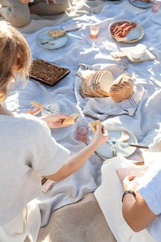 Beach Picnic | Photography and Styling by Sanda Vuckovic