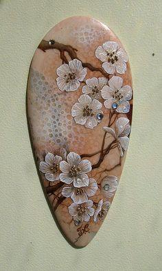 """Камень с росписью """"Цветущая сакура"""" - лаковая миниатюра,ручн…"""