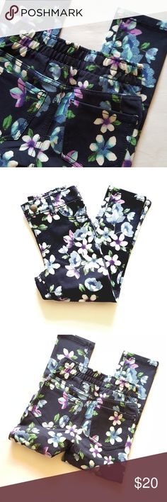 The Children's Place || 🌼 Floral Glitter Jeggings Navy blue (tidal) with floral print. Blue glitter  96% cotton. 4% spandex. The Children's Place Bottoms