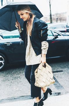 An+Easy+Trick+to+Make+Your+Vintage+Jeans+Feel+Fashion-Forward+via+@WhoWhatWear