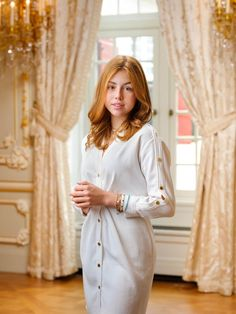Koninklijk Huis deelt prachtige nieuwe foto's van de 3 prinsessen Midi Shirt Dress, Lace Dress, White Dress, Dutch Princess, Princess Sofia Dress, Casa Real, Danish Royal Family, Royal Court, Dutch Royalty