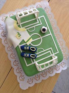 Dort fotbal Cake football Baby Boy Cakes, Cakes For Boys, Fondant Cakes, Desserts, Cakes, Tailgate Desserts, Deserts, Postres, Dessert