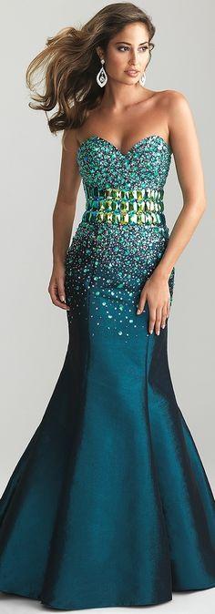 Los vestidos de noche corte sirena más sensuales. Luce tus curvas con un vestido como éste
