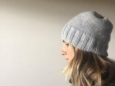 The Craft Sessions' Simple Hat Pattern — The Craft Sessions Free Pattern Worsted / 10 ply (9 wpi) ? 18 stitches = 4 inches in Stocking stitch US 7 - 4.5 mm US 8 - 5.0 mm Sizes available One size fits all-ish