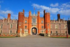 Hampton Court Palace, Richmond upon Thames - Vladislav Zolotov - Getty Images Richmond Palace, Richmond Upon Thames, Britain Uk, Hampton Court, Le Palais, Greater London, Architecture Old, London England, The Hamptons