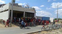 Blog Paulo Benjeri Notícias: Servidores da limpeza pública cruzam os braços por...