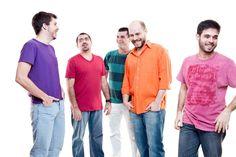 o grupo apresenta músicas de Herivelto Martins, Chico Anysio, Luiz Reis, Haroldo Barbosa, Delcio Carvalho, Dona Ivone Lara, Baden Powell e Paulo Cesar Pinheiro, além de trabalhos autorais