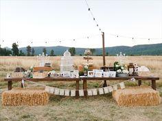 barn wedding ideas - outdoor display with hay bales (photo: john schnack)