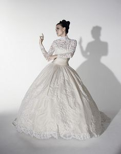 WOW... Grace Kelly all the way in this Justin Alexander gown... wow.