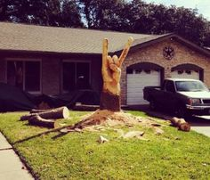 Feast your eyes on a chainsaw-carved Hook 'em Horns tree stump (Photo) | Dr. Saturday - Yahoo Sports