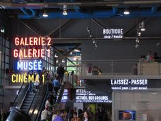 Centre Pompidou signage is in typeface DIN 1451 (photo by Luke McKenzie) via @jortizbr