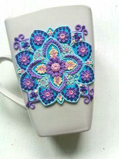 Mandala polymer clay mug Cute Polymer Clay, Cute Clay, Polymer Clay Dolls, Polymer Clay Charms, Polymer Clay Projects, Polymer Clay Creations, Clay Crafts, Polymer Clay Jewelry, Biscuit