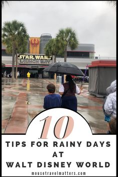 These great Tips to Enjoy a Rainy Day at Walt Disney World will make your trip magical. Don't let a little rain ruin all the family vacation fun at Walt Disney World. Disney Travel, Disney Cruise Line, Disney Vacations, Magic Kingdom Tips, Disney Magic Kingdom, Disney World Planning, Disney World Trip, Disney World Tips And Tricks, Disney Tips