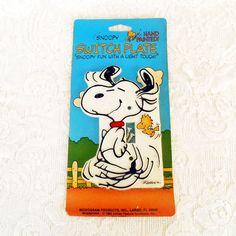 Snoopy Peanuts Light Switch PlateVintage SwitchPlate by RetroDoDa