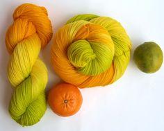"""Handgesponnen & -gefärbt - handgefärbte Ferner Sockenwolle """"Vitamin C"""" - ein Designerstück von Farbenpracht-Garne bei DaWanda"""