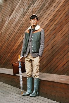 A ridiculously adorable rainy day outfit. I shall bite this look with aplomb. Ysl, Daily Fashion, Mens Fashion, Street Fashion, High Fashion, Boys Rain Jacket, Preppy Style, My Style, Dapper Gentleman