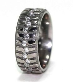Super Swamper men's wedding band. My man would wear this!