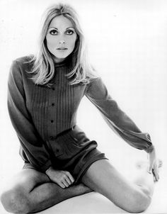 It's The Pictures That Got Small ... Charles Manson, Steve Mcqueen, Sharon Tate Murder, Joanna Pettet, Non Plus Ultra, 1960s Fashion, Celebs, Celebrities, Vintage Beauty