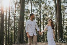 Ensaios de Casal - Thais e Lucas - Niterói Pre Wedding Poses, Couple Photoshoot Poses, Couple Pictures, Couple Goals, Couples, Rio, Weddings, Ideas, Creative Wedding Photography