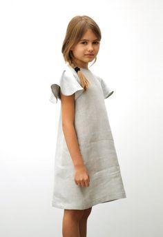 Polis grey linen Dress (out of stock) Little Girl Fashion, Little Girl Dresses, Kids Fashion, Girls Dresses, Moda Junior, Style Hipster, Moda Kids, Little Fashionista, Stylish Kids
