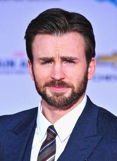 Chris Evans | 17 Actors Who Prove A Beard Is Not Always Best