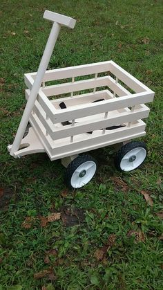 Diy Furniture Plans Wood Projects, Woodworking Projects Diy, Diy Wood Projects, Wood Crafts, Diy Wedding Wagon, Wedding Wagons, Flower Girl Wagon, Kids Wagon, Handmade Wooden Toys