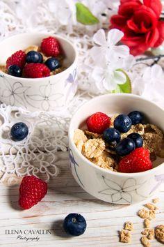Strawberries, raspberries, yogurt, cereals, breakfast, summer, food photography