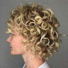 Short Blonde Curly Hairstyle haar ideen 20 Hairstyles for Thin Curly Hair That Look Simply Amazing Blonde Curly Bob, Bob Haircut Curly, Thin Curly Hair, Short Hair With Bangs, Curly Bob Hairstyles, Short Hair Cuts, Curly Hair Styles, Short Wavy Curly Hair, Wavy Pixie Cut