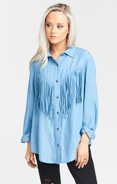 Dawson Fringe Shirt has the staples of a typical denim shirt, and so so much more. You don't want to wait for your life to be over before you get to try this on! You'll love how the length is perfect to tie in the front between the fringe. Roll the cuffs and let your hair down. It's the perfect relax cut you need. *IMPORTED* *100% Tencel