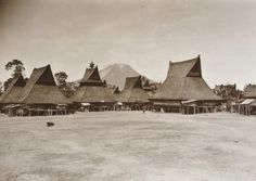 Batak architecture - Wikipedia, the free encyclopedia Vernacular Architecture, House Ornaments, Kuta, Traditional House, Old Pictures, Louvre, Around The Worlds, Culture, Building