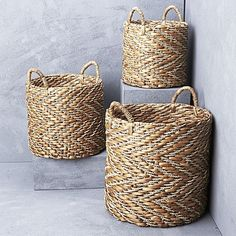 Expose your interior style to the traditional craftsmanship of the textural Chevron Waterhyacinth Basket, White from Inartisan.