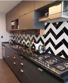 Modern Home Decor Kitchen Kitchen Room Design, Kitchen Cabinet Design, Modern Kitchen Design, Home Decor Kitchen, Kitchen Interior, Kitchen Modular, Modern Kitchen Cabinets, Kitchen Backsplash, Backsplash Ideas