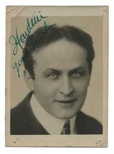 Signed Photograph of Harry Houdini. Realistic Tattoo Artists, Vintage Photographs, The Magicians, Fun Facts, Celebrities, Celebs, Funny Facts, Celebrity, Vintage Pictures